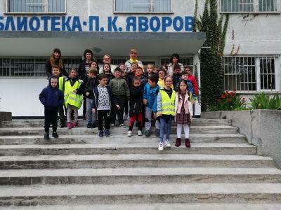 ПГ 6 на посещение в Детски отдел на библиотека Бургас - Изображение 2