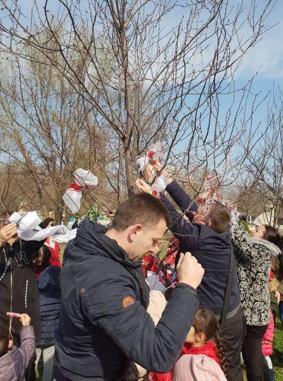 """""""Децата и мартениците"""" - ДГ Звездица-Зорница - Бургас"""