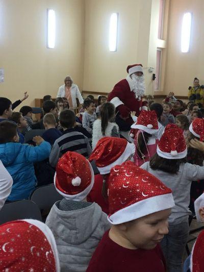 "Коледен театър - ""Тримата снежковци"" - ДГ Звездица-Зорница - Бургас"